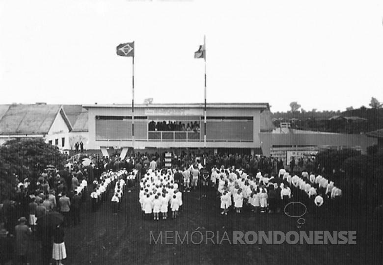 Portal de entrada da Exposição Agropecuária de General Rondon, 1957.