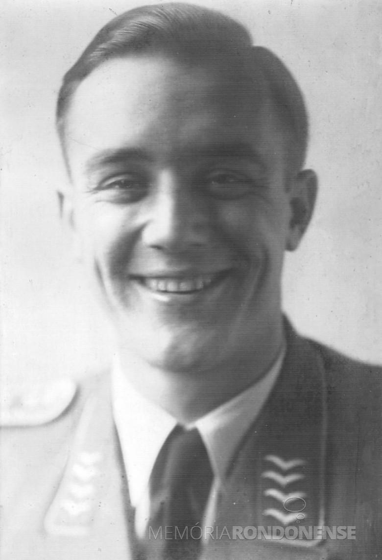 Dr. Friedrich Rupprecht Seyboth, jovem oficial do Exército alemão, em 1940.