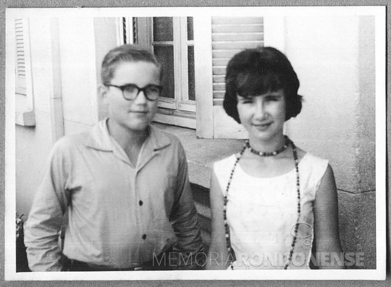 Os primos Dr. Hippi(Dietrich Rupprecht Seyboth)  e Iris End, em Porto Alegre, em 1960.