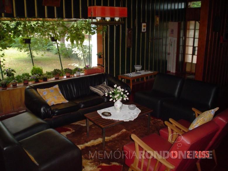 Casa da Família Seyboth - vista do interior da residência para o jardim.